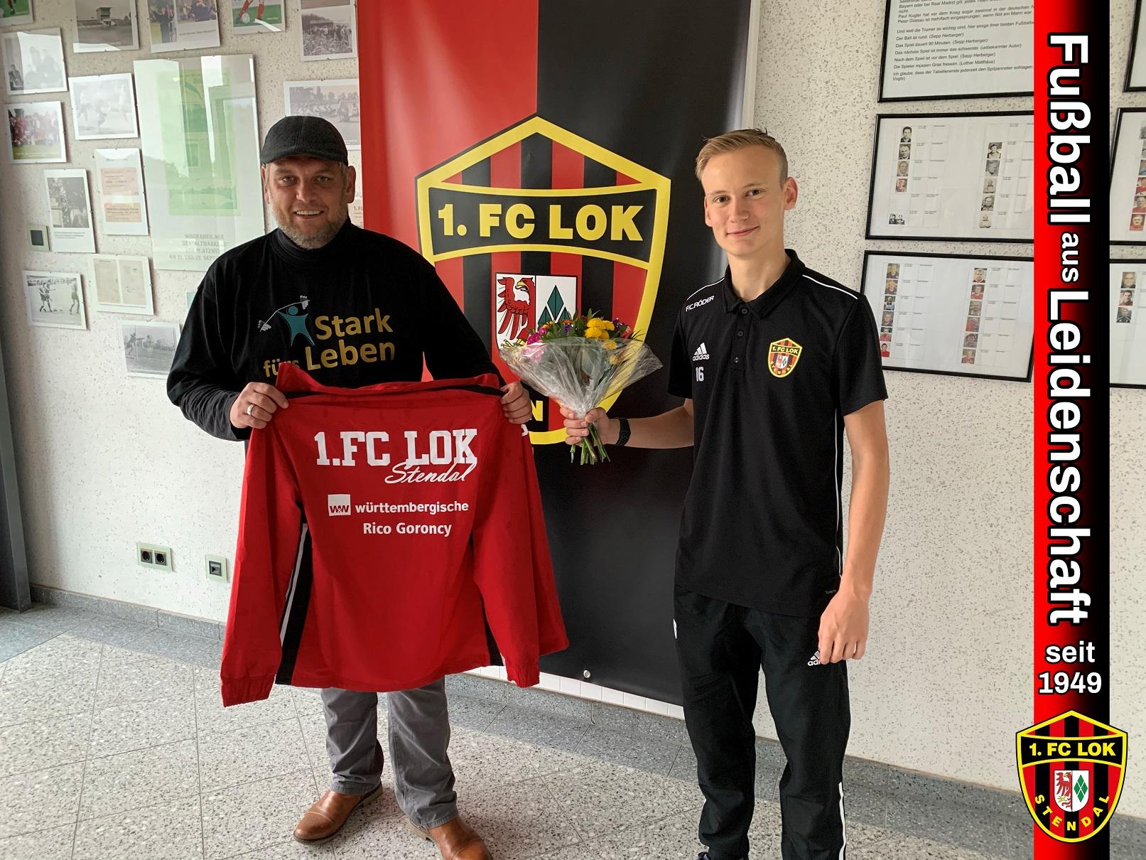 Neue Trainingsanzüge - 1. FC Lok Stendal